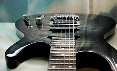 Guitarra eléctrica en Senderos de rock