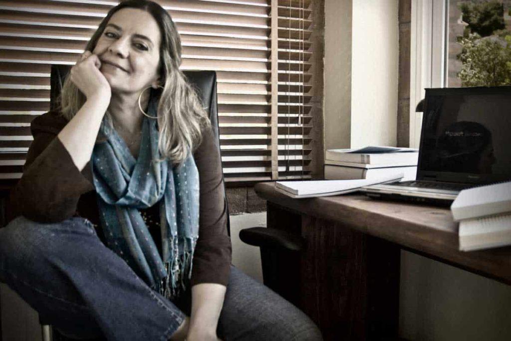 Mercedes Pinto en su lugar de trabajo