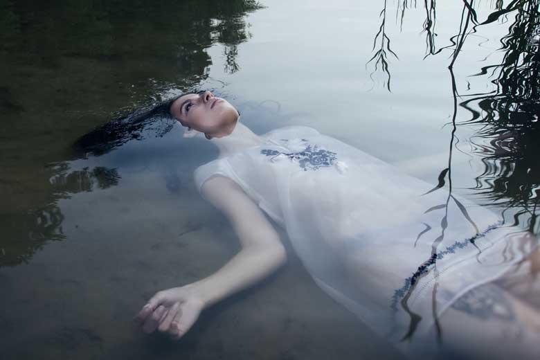 Melodía-para-un-forense-Joven-muerto-en-el-agua