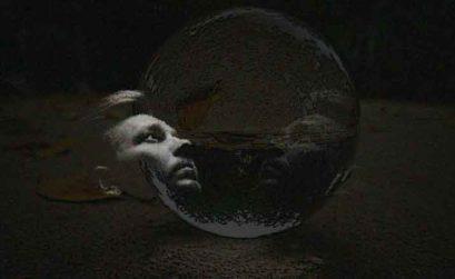 Doble condena, entrega de El esclavo de los nueve espejos, novela de Raimundo Castro