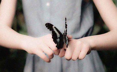 Mariposas, entrega de A tres pasos de Luna, una novela de Beatriz Cáceres