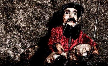 Teatro amanecer función de marionetas, entrega de Qué día el de aquella noche, una novela de Ignacio León Roldán