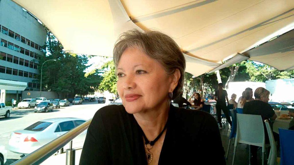 Blanca Miosi, autora de Hijo del pasado, comentario literario de hijo del pasado