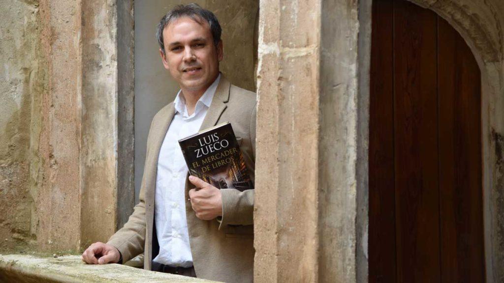 Luis Zueco, comentario literario de El mercader de libros
