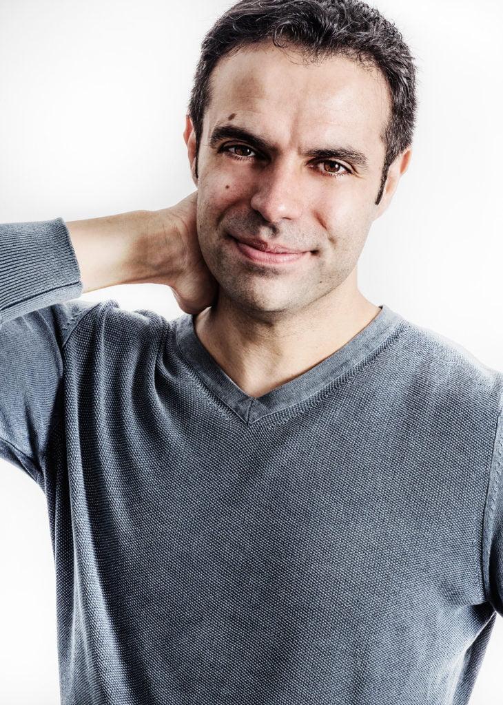 David B. Gil, autor de la novela Ocho millones de dioses